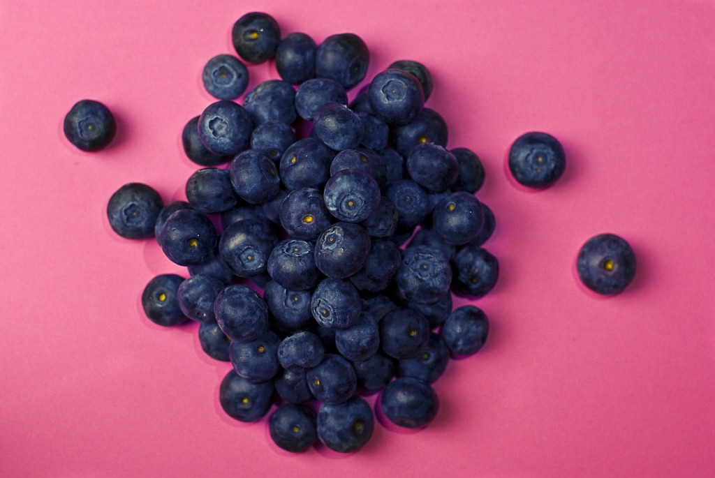 blueberries-933545_1280