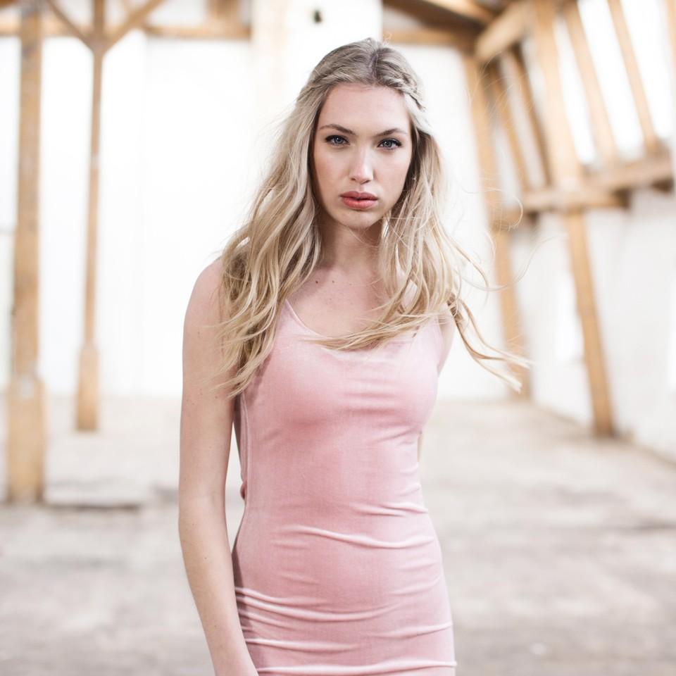 velvet-pink-dress-3